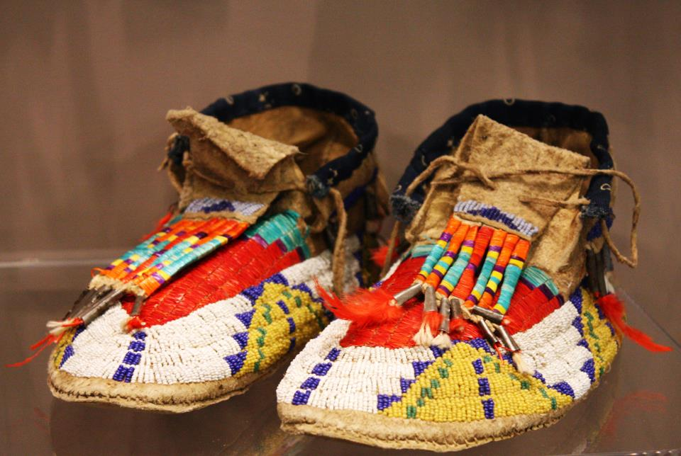 Man's moccasins, Dakota